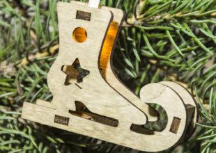 Новогодняя гирлянда из дерева
